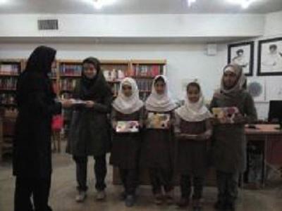 برگزاری قصه گویی و شعر خوانی در کتابخانه امیرالمومنین (ع) اسلامشهر