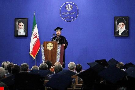 دانشجوی علم اطلاعات، به عنوان دانشجوی نمونه کشوری برگزیده شد