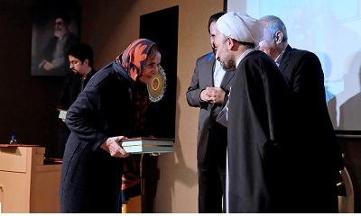تقدیر از زنان واقف و اهداکننده آثار فرهنگی تاریخی در کتابخانه و موزه ملی ملک