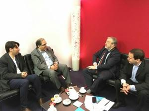 روز ایران در نمایشگاه کتاب پاریس