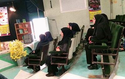 نشست کتابخوان «حقوق زنان» در شهر دلیجان برگزار شد