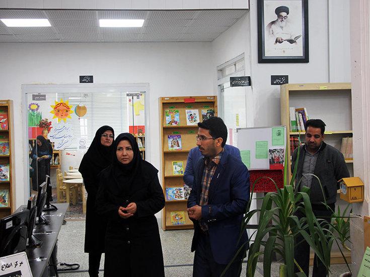 بازدید مدیرکل کتابخانههای عمومی یزد از کتابخانههای شهرستان ابرکوه