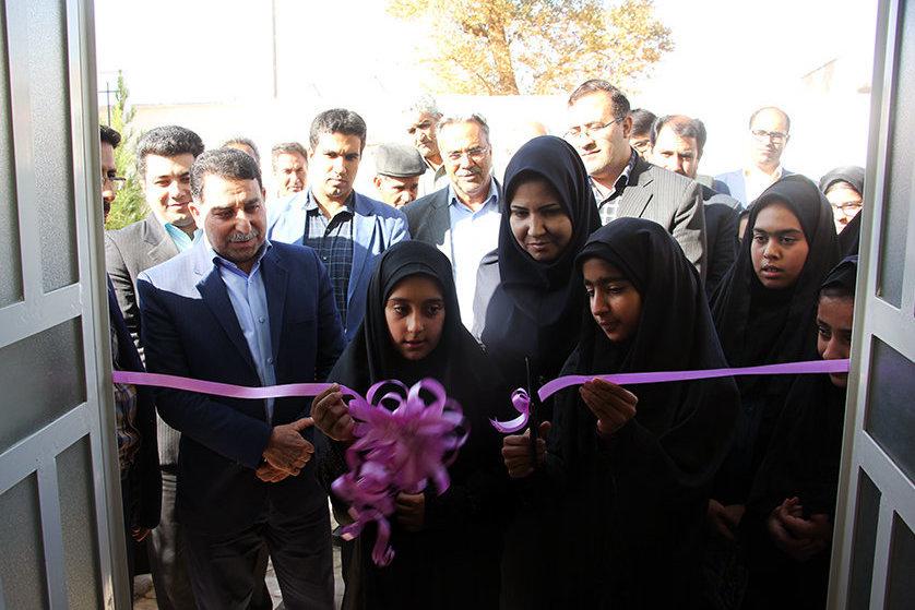 کتابخانه شهید شفیعی روستای رئیسآباد ابرکوه استان یزد بازگشایی شد