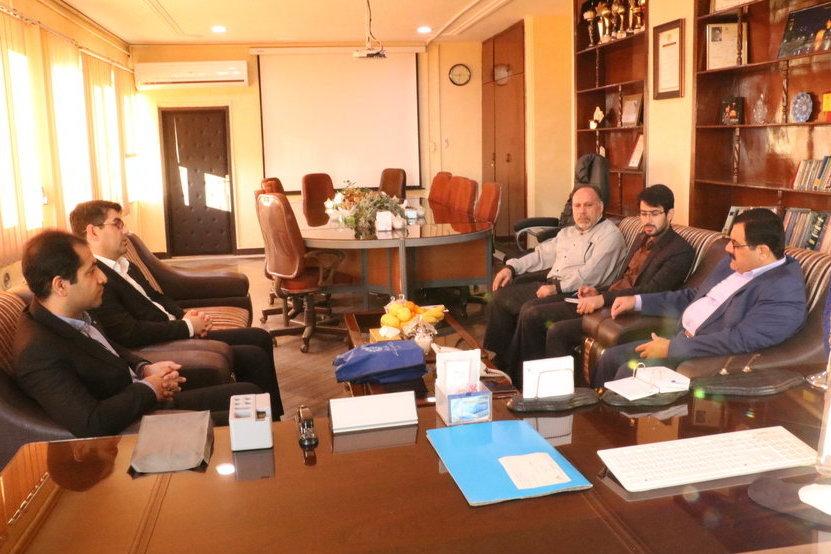 دیدار مدیرکل کتابخانههای عمومی خوزستان با مدیرکل پست