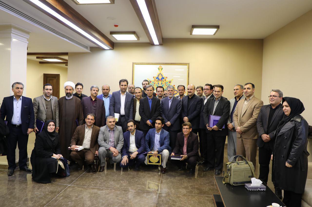 وعده وزیر ارشاد در تخصیص بودجه به نامزدهای چهارمین دوره پایتخت کتاب