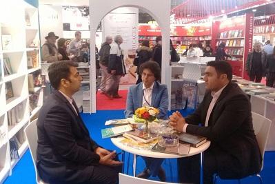 افتتاح نمایشگاه کتاب پاریس با حضور ایران/ توافق با ناشران آلبانی، هند و الجزایر در روز اول