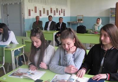شعرخوانی به زبان فاسی در مدرسه شهر آبویان ارمنستان