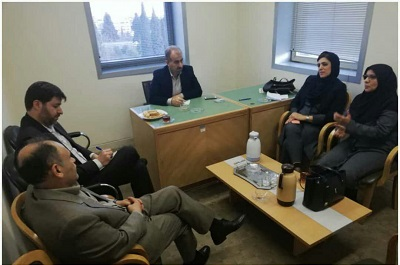 دیدار اعضای انجمن کتابداری شاخه فارس با مسئول دبیرخانه کانون کتاب استان قدس رضوی