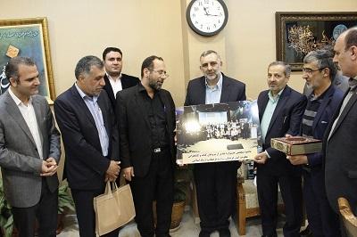 دیدار محسن جوادی با خانواده مرحوم فاطمه صمدی، مروج کتابخوانی