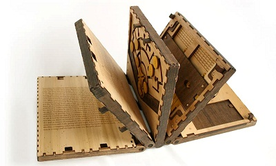 معمای لئوناردو داوینچی در قالب پازلی به شکل کتاب