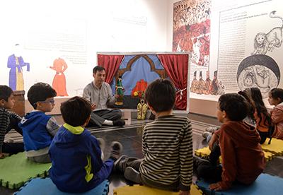 تور و کارگاه آموزشی «باغ قصه ها» در کتابخانه و موزه ملی ملک برگزار شد
