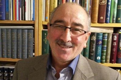 مردی از جنس کتاب؛ کامران فانی
