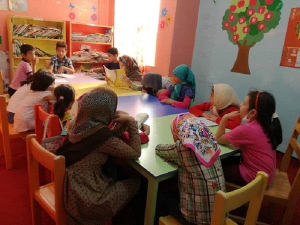 نشست جمع خوانی کتاب «هشت قصه از امام جواد(ع)» در کتابخانه عمومی میرزای بختیاری مسجدسلیمان