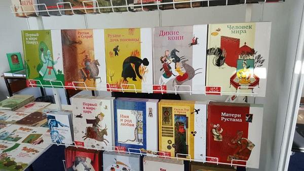 آثار برگزیده جایزه جلال به زبان روسی ترجمه میشوند