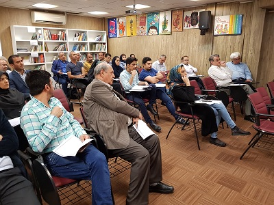جلسه نقد و بررسی سی و دومین نمایشگاه بینالمللی کتاب کودک برگزار شد