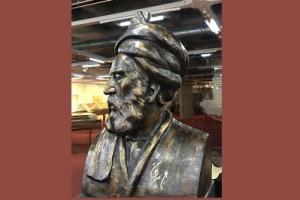 پس از 86 سال سردیس فردوسی در کتابخانه ملی ایران ثبت ملی شد
